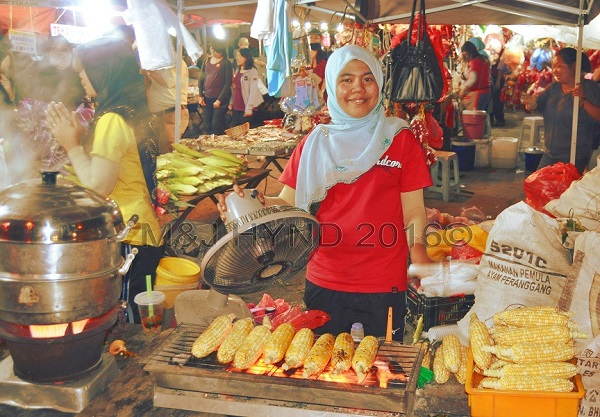 night market barbecued corn, Brinchang, Cameron Highlands, Malaysia