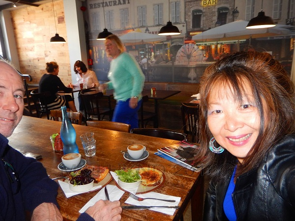 relaxed French café, L'Atelier du Fromage, Auckland, NZ