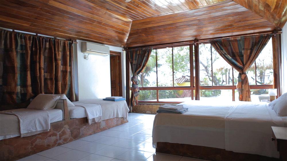 Room_001_S.jpg