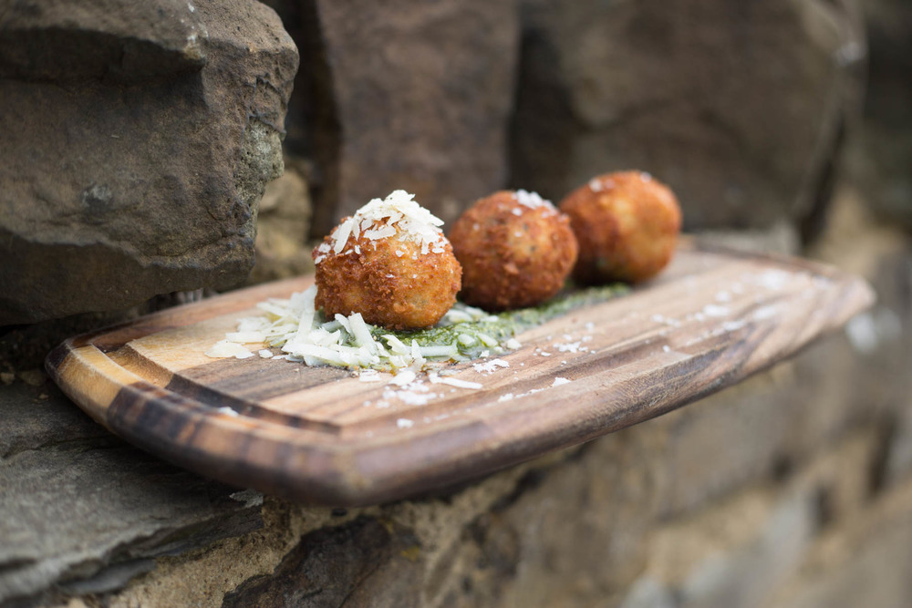 Travellers_Rest_Mirfield_Risotto_Balls-1.jpg