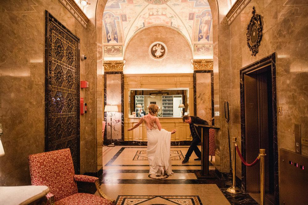 Jory_LoebBoathouse_CentralPark_NewYork_WeddingPhotographer029.jpg
