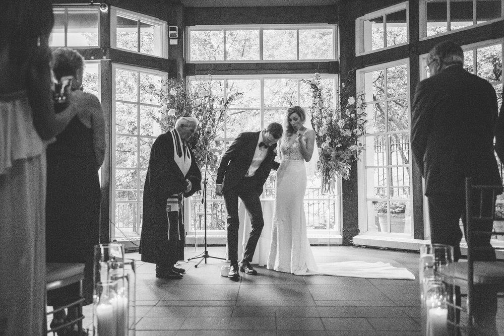 Jory_LoebBoathouse_CentralPark_NewYork_WeddingPhotographer102.jpg