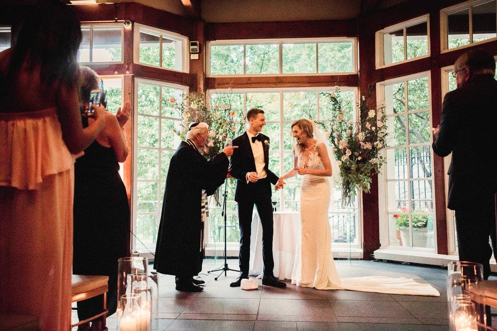 Jory_LoebBoathouse_CentralPark_NewYork_WeddingPhotographer103.jpg
