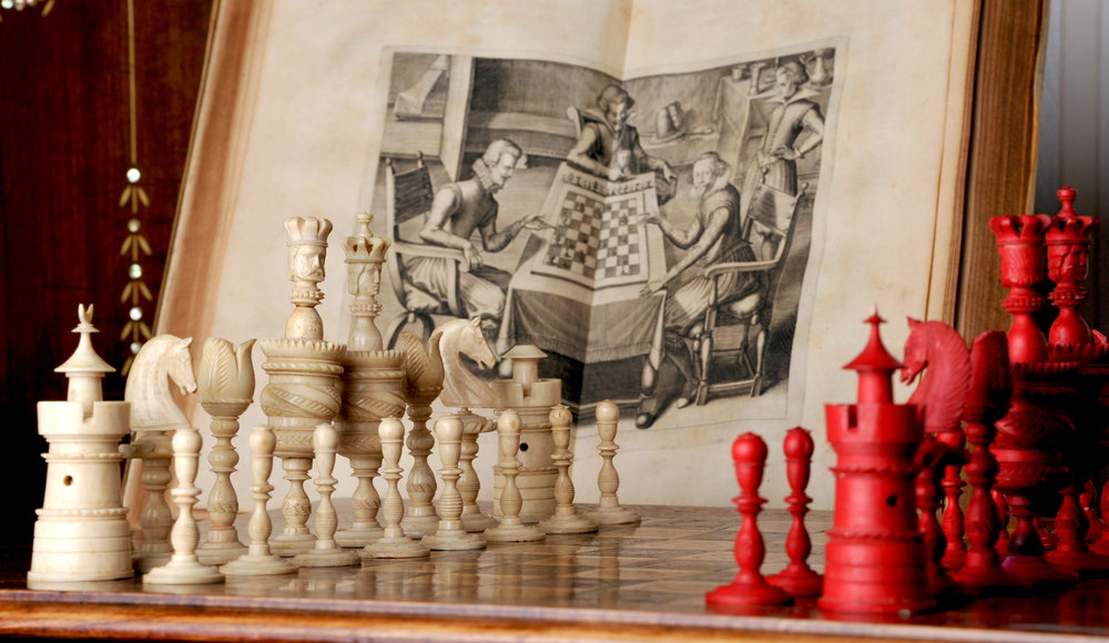 """Barleycorn Schachspiel, Deutschland um 1850 mit Kupferstich aus """"Gustavus Selenus, das Schach- oder König-Spiel"""", Leipzig 1616"""