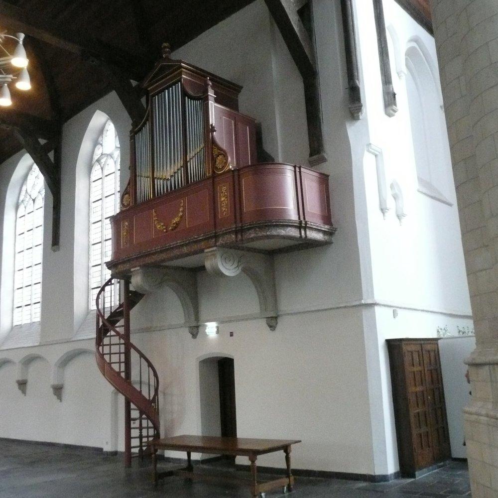 do 31 aug 2017  Delft / Oude Kerk ZES HANDEN & ZES VOETEN