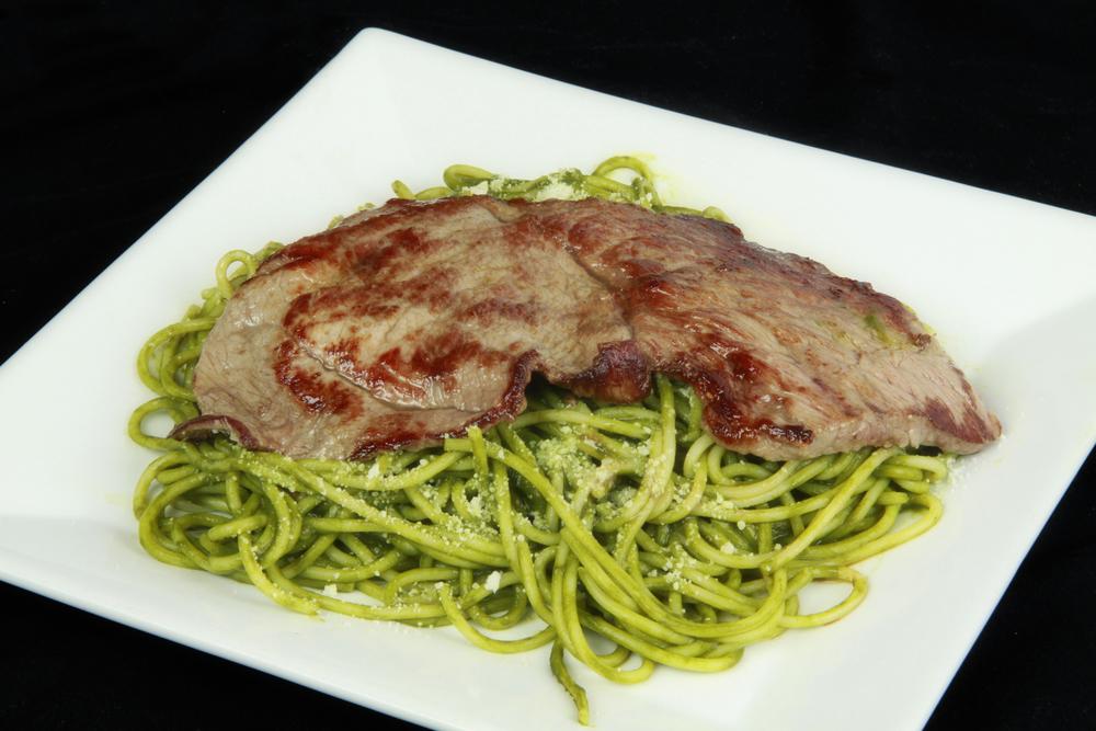 Tallarin Verde con Bisteck