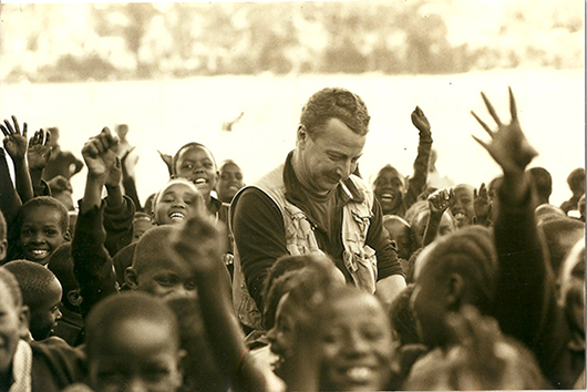 Robin thrills the crowd in Kenya