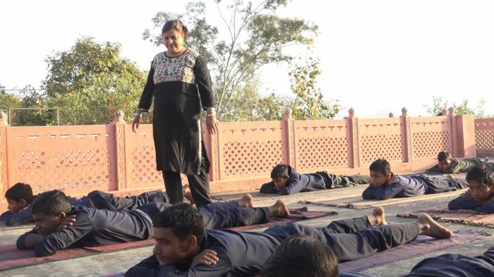 Sumedha at yoga class © Jatin Makkar