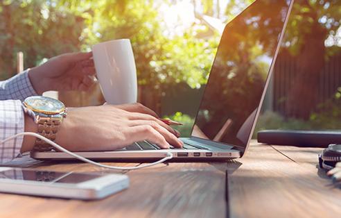 Kattavat maksupäätteiden hallintatyökalut   Poplatekin automaattinen päivityspalvelu takaa, että maksupääteohjelmistosi ja kauppiaskohtaiset parametrit ovat aina ajan tasalla. Käytössäsi on aina uusimmat ominaisuudet.
