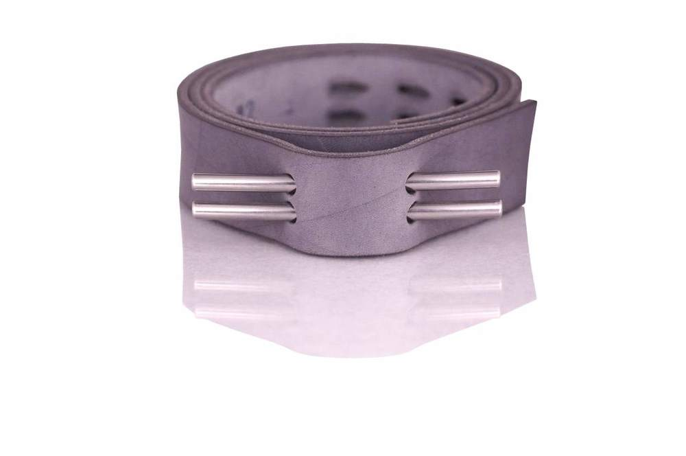 Gürtel grau geprägt ungeölt (klein).jpg