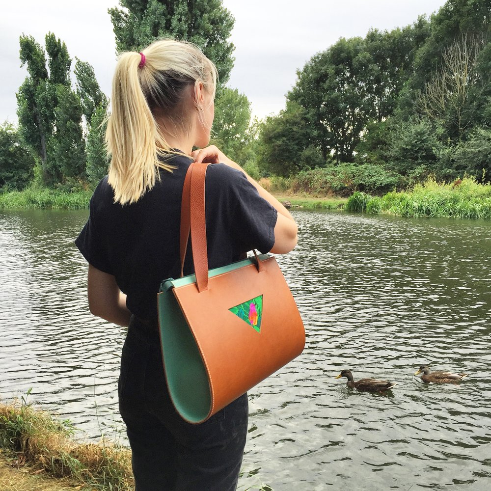 CARV bird tote bag