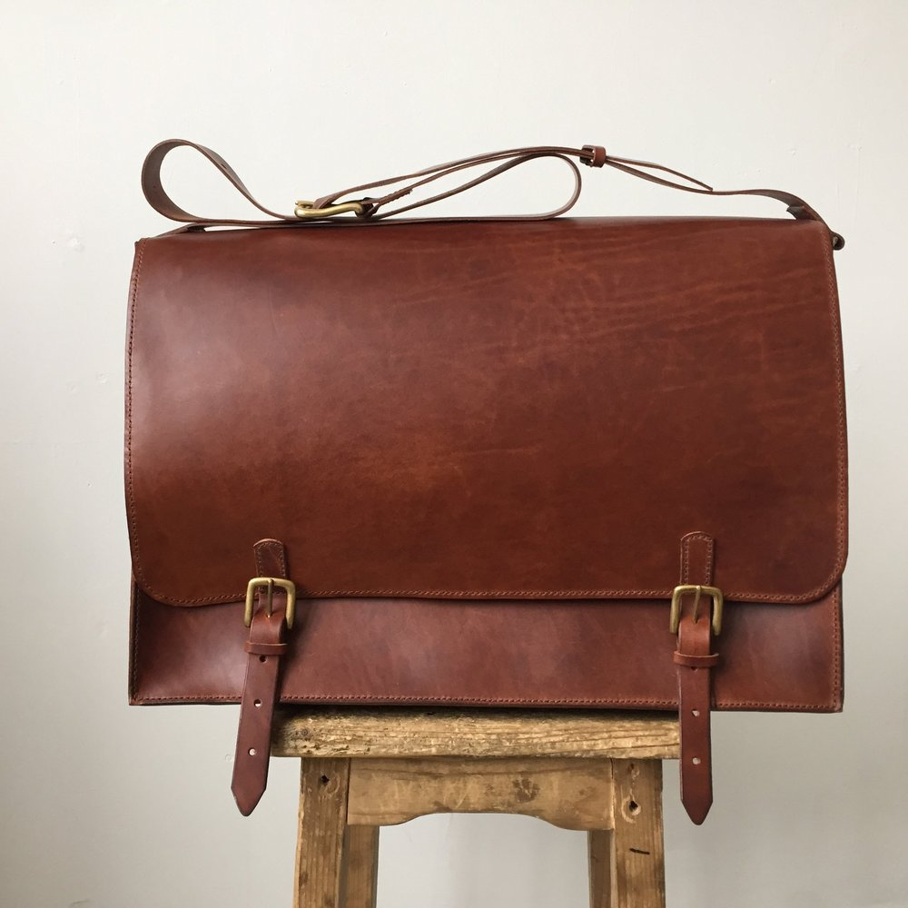 CARV leather messenger bag