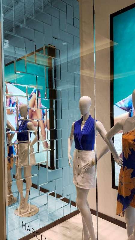 Modena-Glass-Mirror-Tile-Scene-2.jpg