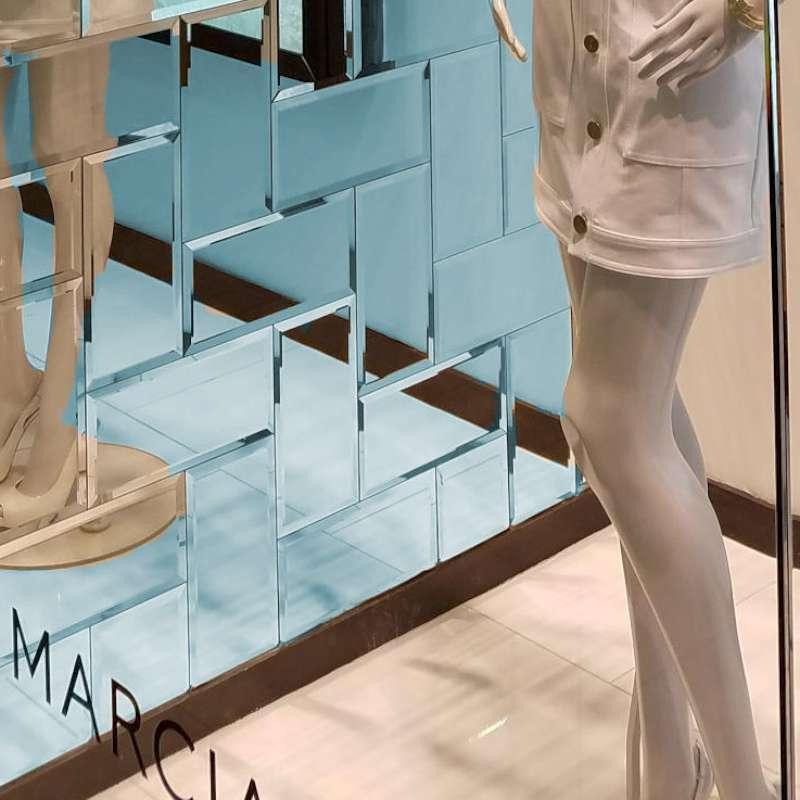 Modena-Glass-Mirror-Tile-Scene-3.jpg