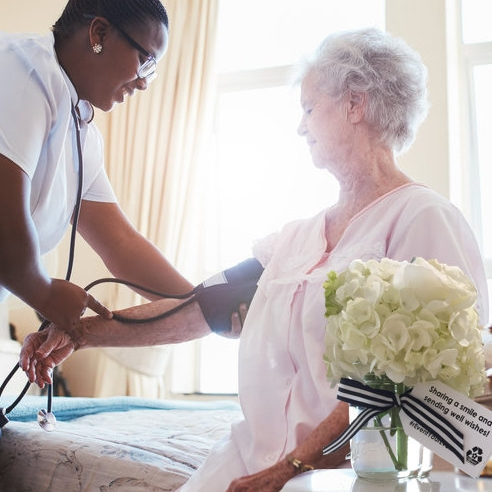 Senior+bedside+bouquet-1.jpeg