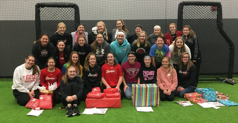 Starters Softball participated in Hope for the Holidays during the 2017 holiday season.  They were able to fundraise, shop for gifts, and wrap presents for less fortunate families.