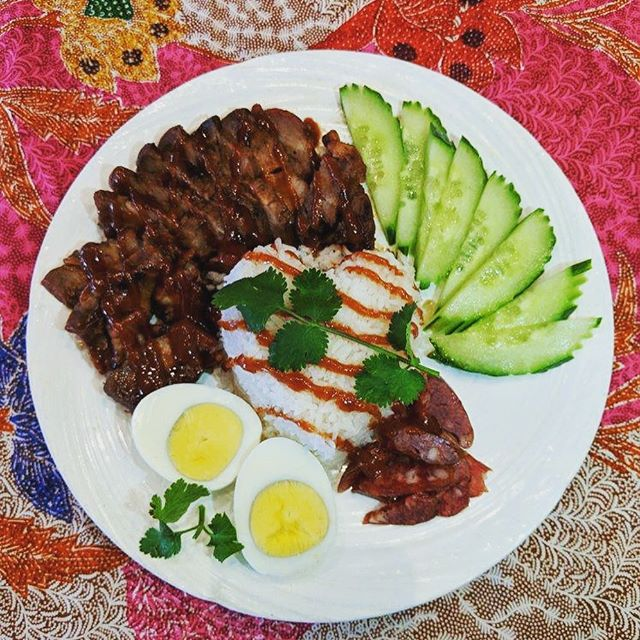 In celebration of the year of the pig, swing by Ben Thai and try our Lucky Red Pork Rice Plate!  Homemade BBQ Pork marinated in a savory sweet red sauce, sauteed Chinese sausages, boiled egg, sliced cucumbers and Jasmine rice finished off with a nice dressing of the red sauce for extra luck!  Served with a side of tangy/spicy/sweet sauce #foodporn