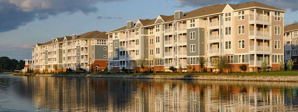 Riverhouse Apartments