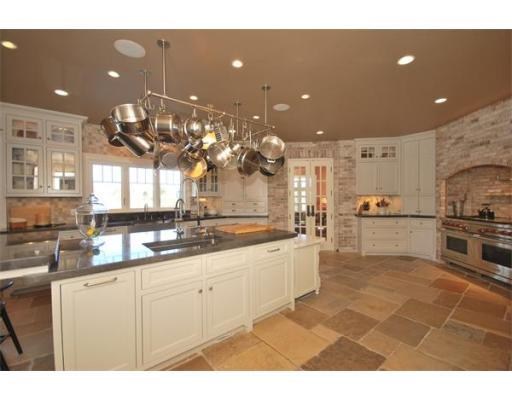 1053 tremont kitchen.jpg