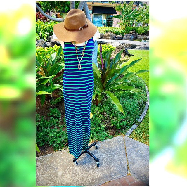 Step into fall in this comfy number!! Can't make it in? Never fear ladies we ship anywhere in the U.S. For FREE just call us at 808-886-0303 to place an order! #persimmonboutique #hawaii #fallfashion