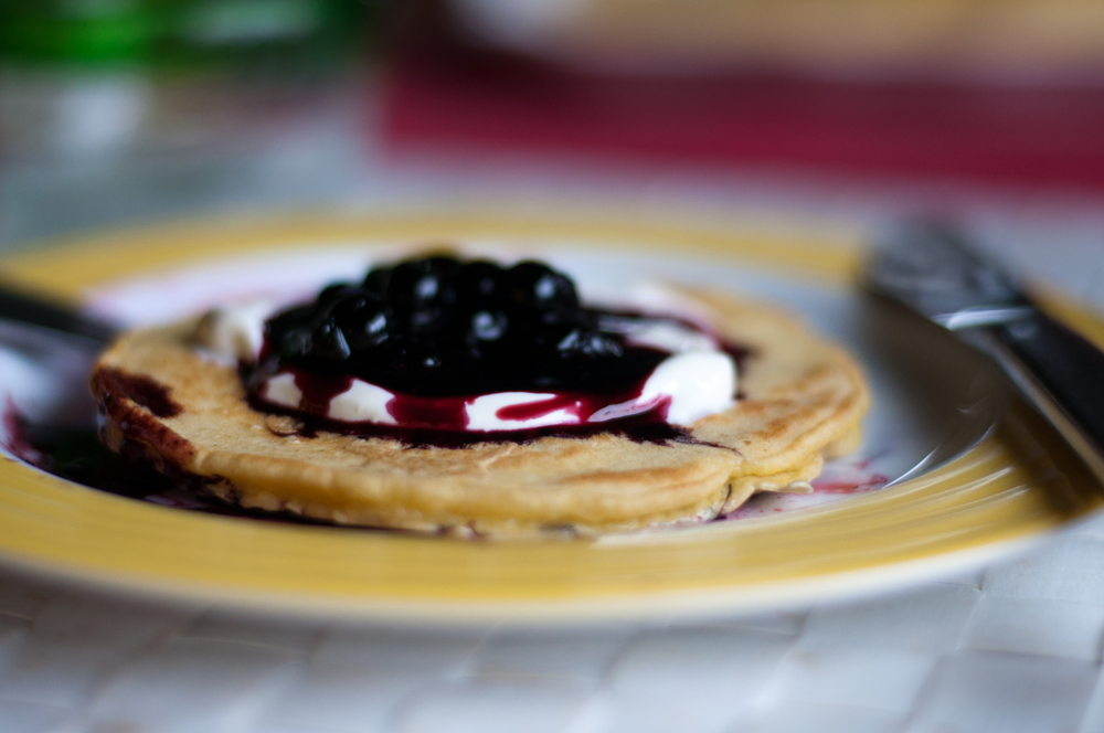 One of the many things we covered in blueberries – American pancakes with sour cream & blueberry sauce.