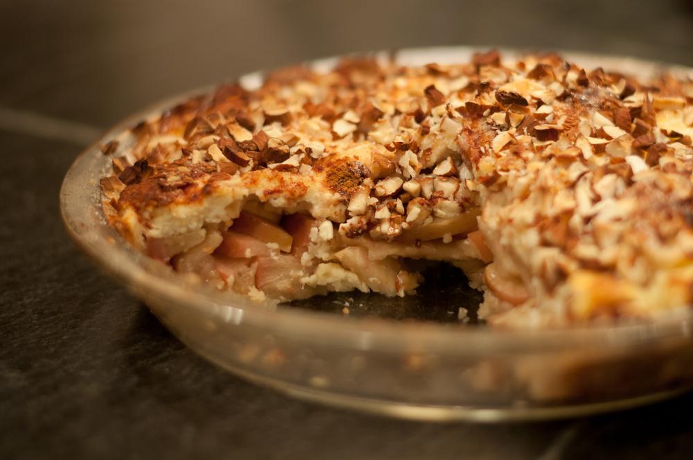 Apple Cheesecake Torte