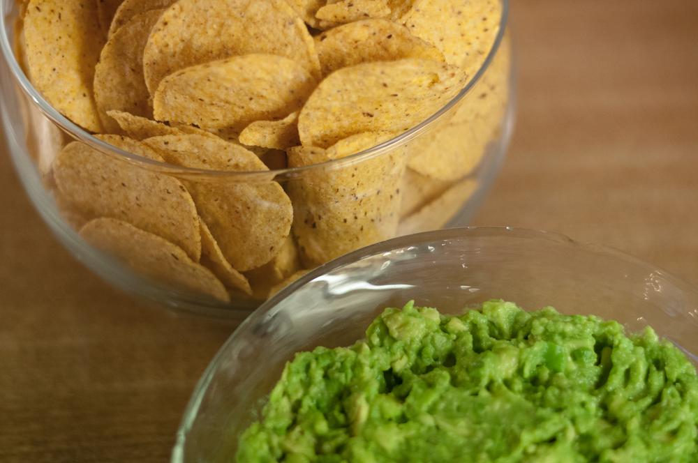 chips & avocado guacamole