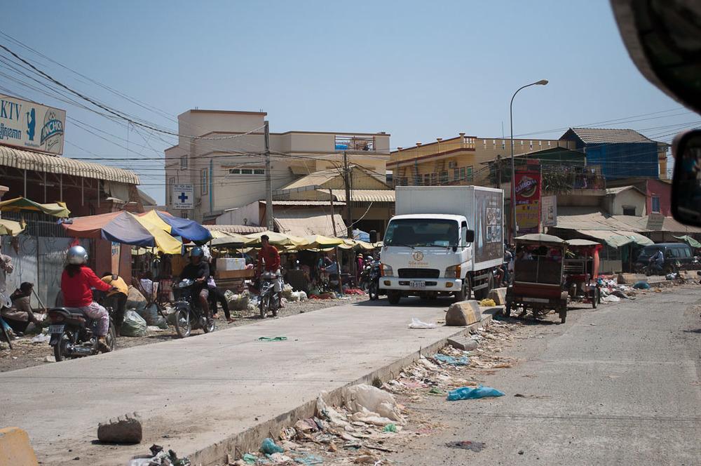 Road Phnom Penh