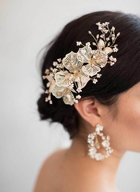 831q-crystal-bridal-dangle-earrings-twigsandhoney_480x.progressive.jpg