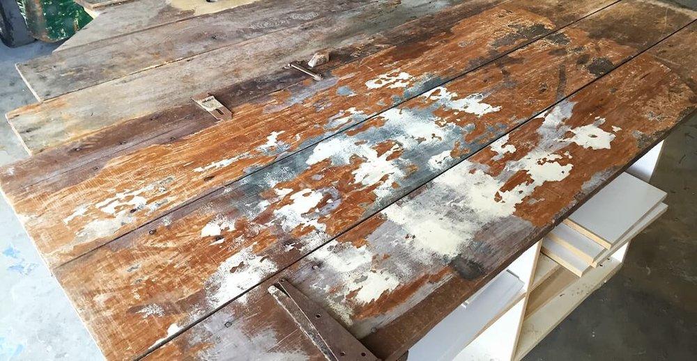 reclaimed rustic barn wood quint handmade furniture denver.  customrusticwoodmetaldiningtablequinthandmadefurniture.