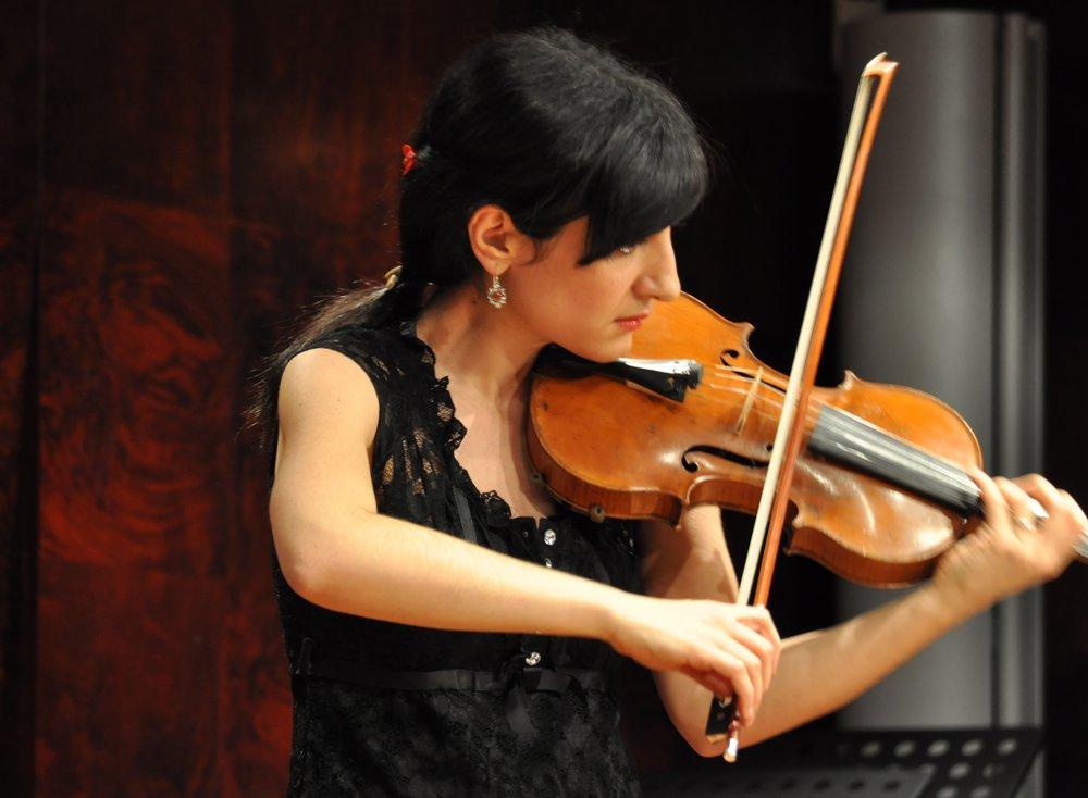 Violin lessons at Greenwich Music School - Angela Najaryan