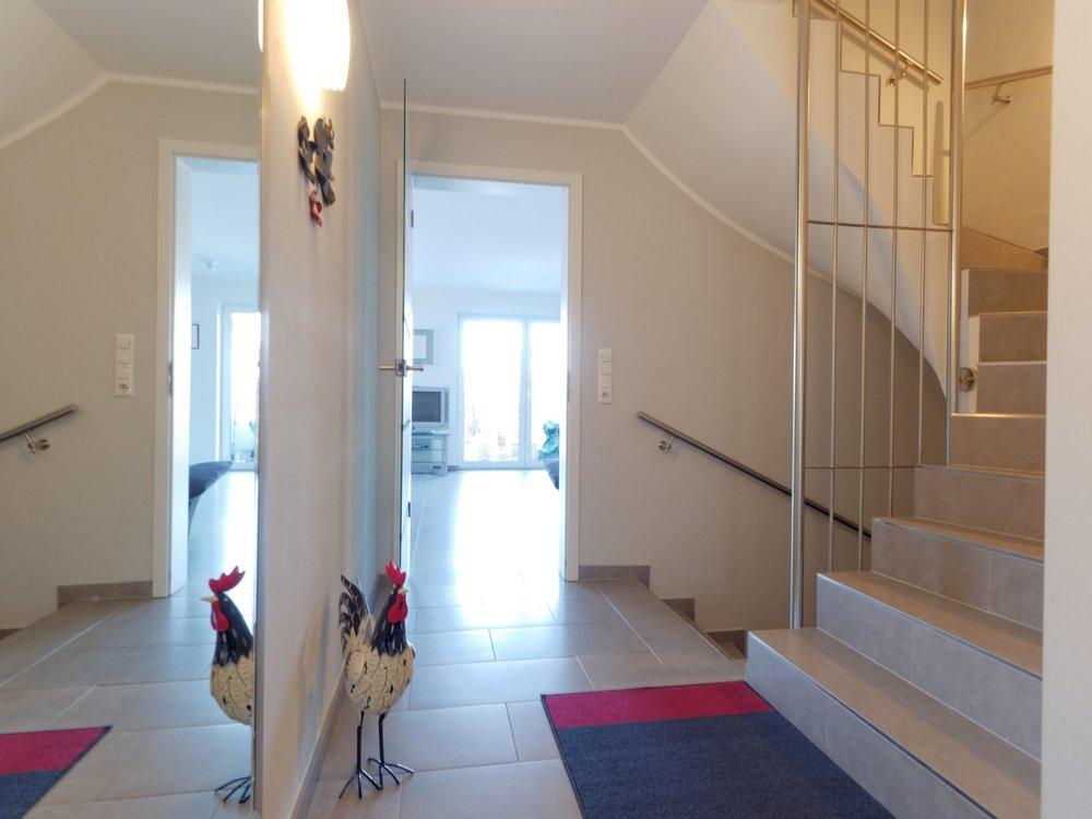 Eingangsbereich, Blick zum Wohnbereich