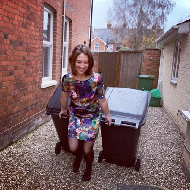 Using those yoga Chair pose muscles to take mine and the neighbours bins out... A mundane activity, but done with a karmic spring in my step. ♥️🙏♥️ #findyouryoga #yogaeverydamnday #yogaeverywhere #doitlikeyoumeanit