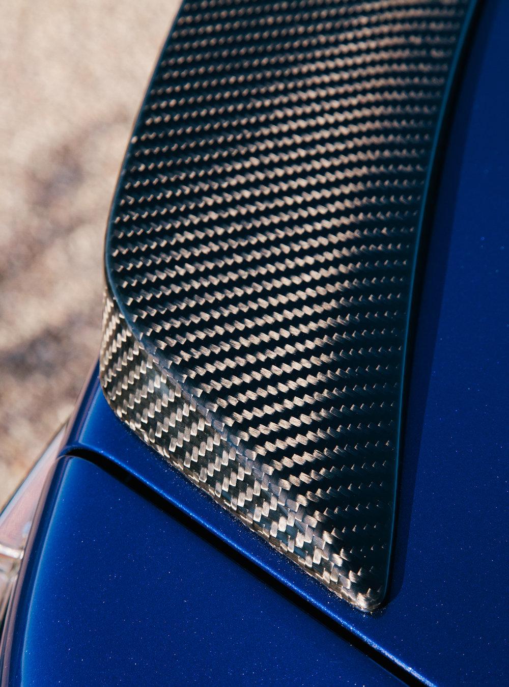 Lexus_Reveal_Details_CarbonFiber_033.jpg