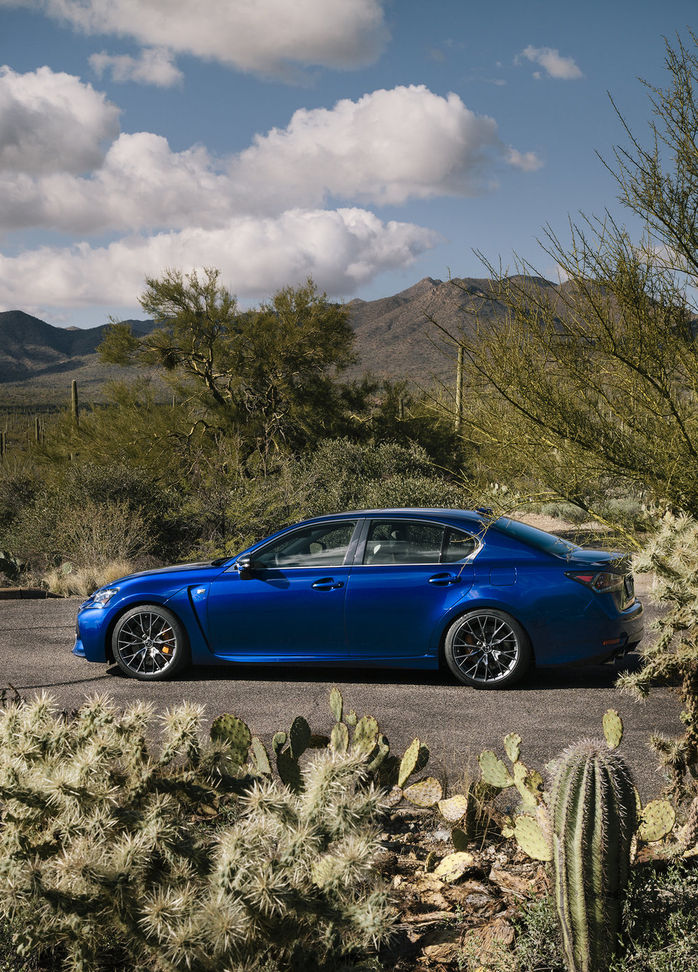 Lexus_Reveal_Details_Fullbody_068.jpg
