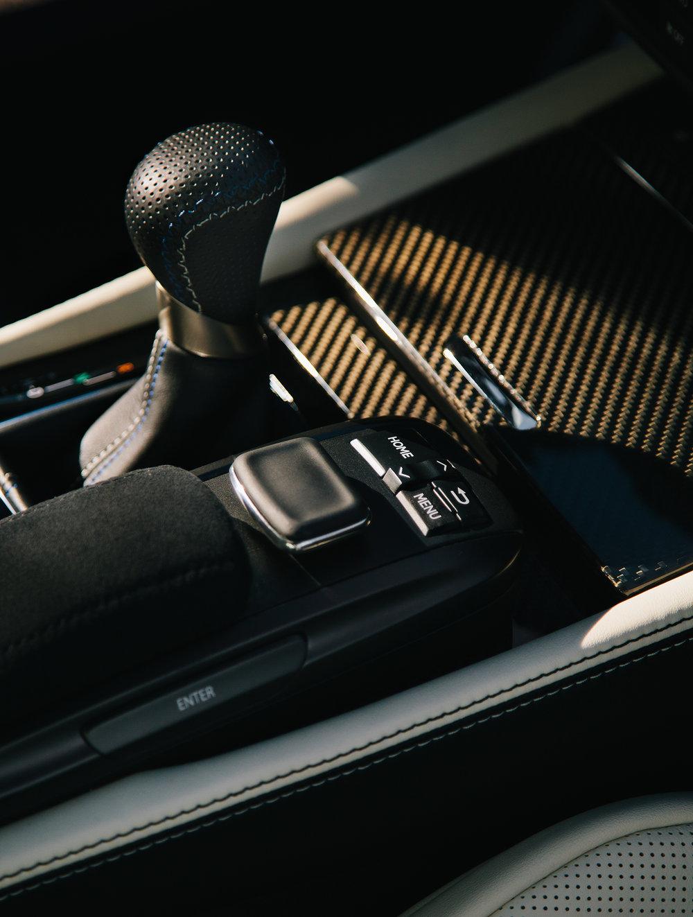Lexus_Reveal_Details_Navigator_044.jpg