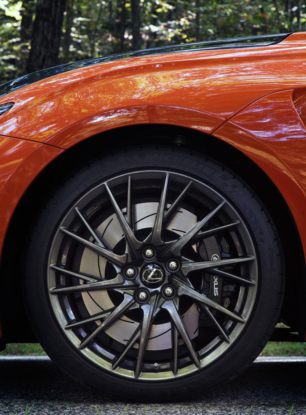 20_Lexus_Tyre_010.jpg