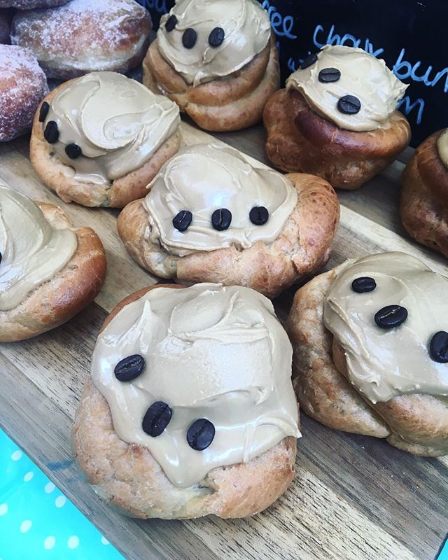 I missed choux! Pop down to my stall @lowermarshmarket for an 'elephant's foot' - choux pastry bun filled with whipped cream and topped with a sticky coffee icing - too good! 🐘☕️ . . . #london #baker #choux #shopsmall #shoplocal #supportsmallbusiness