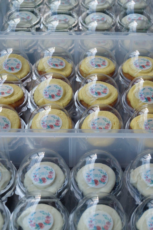 personalised mehndi party cupcakes