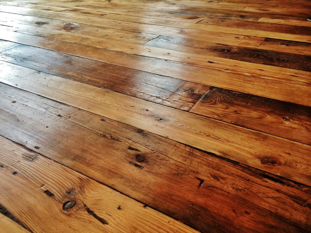 Beautiful Old- Fashioned floors created with Reclaimed Lumber