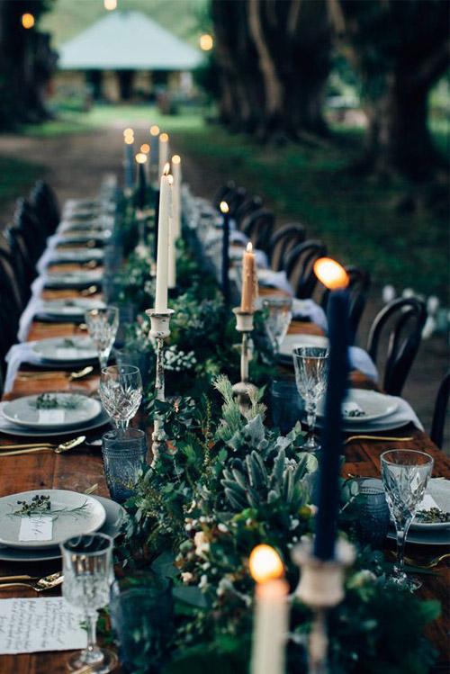 Dark and Elegant Halloween Wedding Inspiration | B&E Lucky in Love Blog