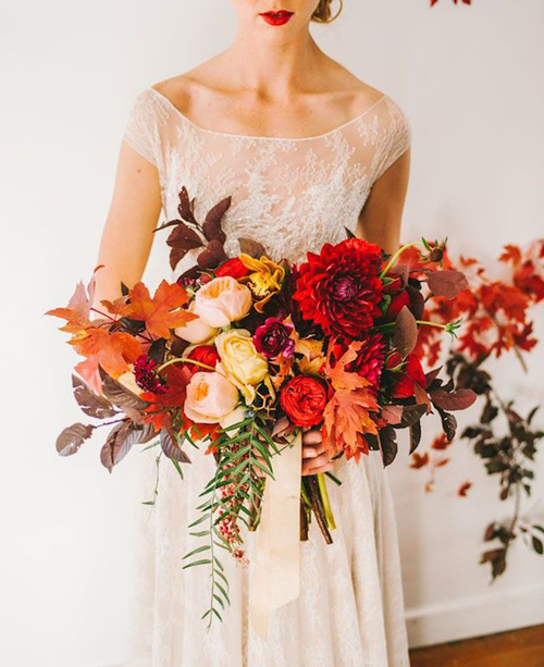 6 Stunningly Gorgeous Fall Wedding Bouquets | B&E Lucky in Love Blog