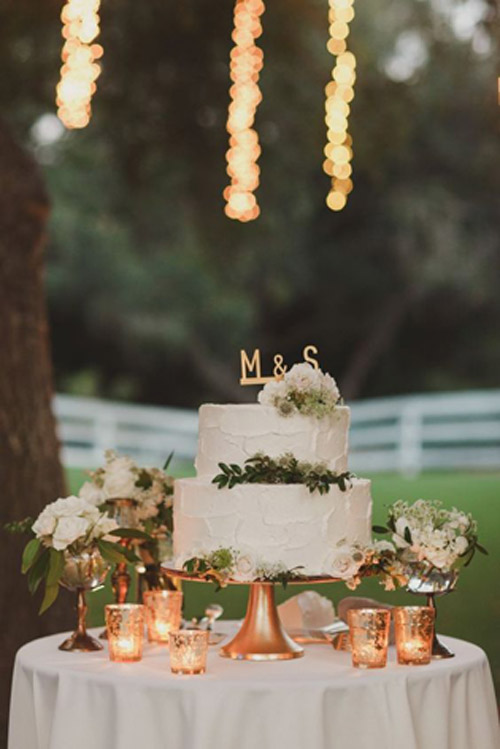 Rustic, Romantic Fall Wedding Inspiration with Pastoral Charm | B&E Lucky in Love Blog