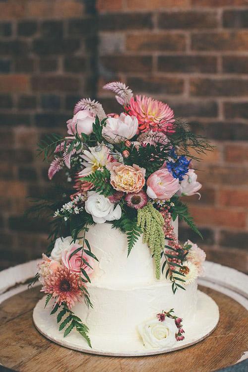 Boho Bride Wedding Inspiration from B&E Lucky in Love Wedding Blog