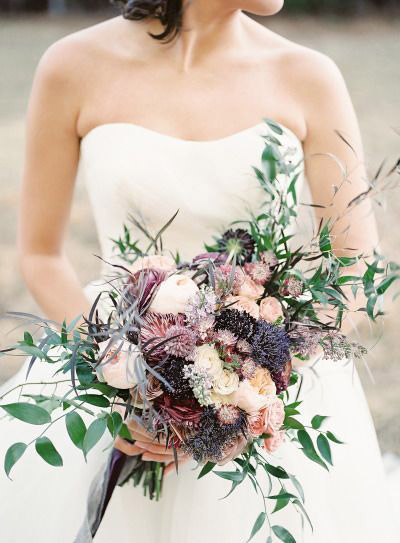 Stunning Mauve Green and Gold Wedding Inspiration | B&E Lucky in Love Blog