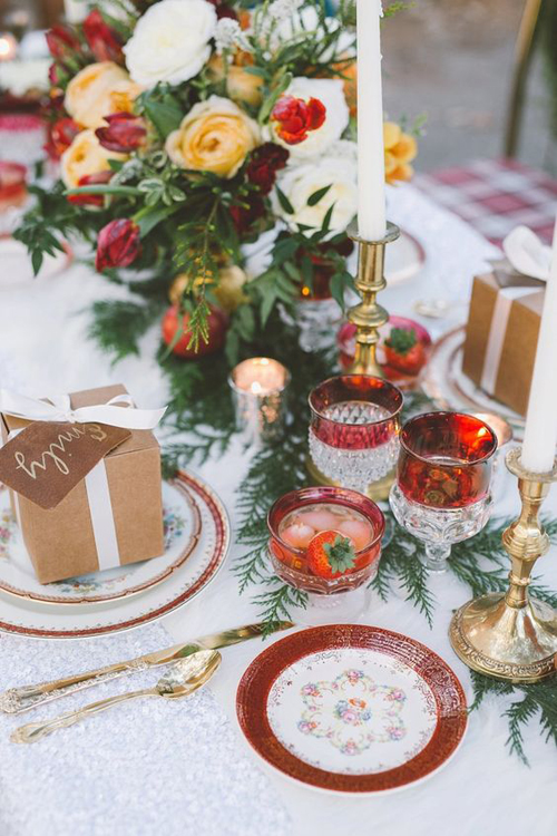 Red White and Green Cheery Holiday Wedding Inpiration | B&E Lucky in Love Blog