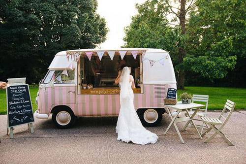Popsicles & Ice Cream: a Summer Wedding Bar Alternative from B&E Lucky in Love Wedding Resource