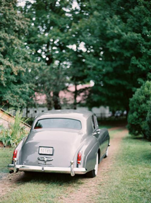 Sharkskin Gray Wedding Inspiration | B&E Lucky in Love Blog