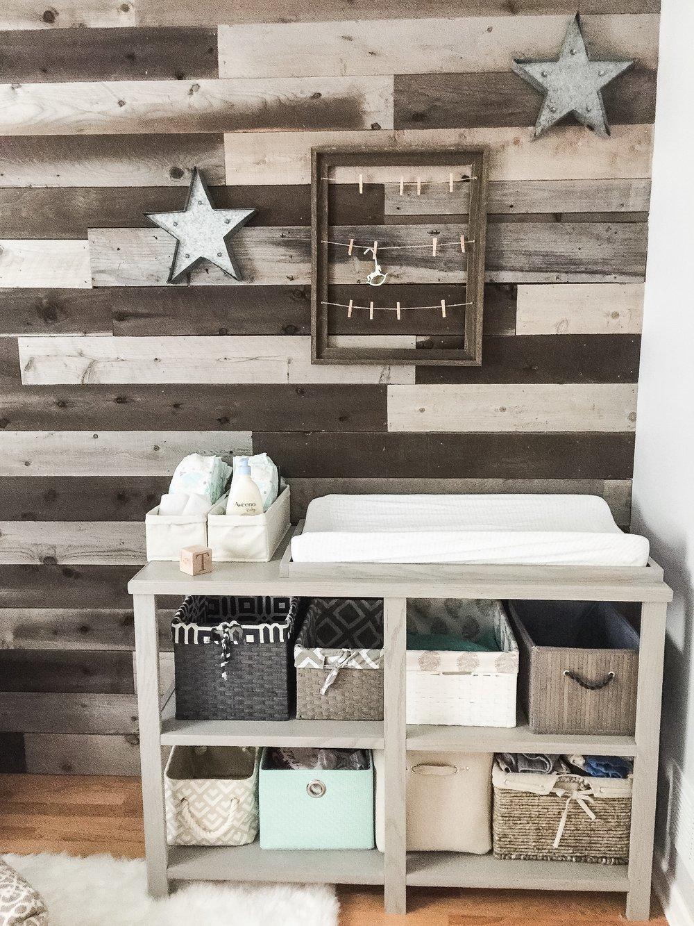 DIY Wooden Changing Table with Basket Storage. How to design a gender neutral nursery. Nursery decor for a boy or girl. #nurserydecor #nurserydesign #genderneutral