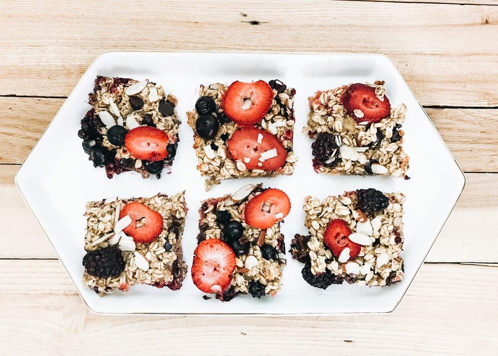 Fresh Berry Oatmeal Bake for Brunch